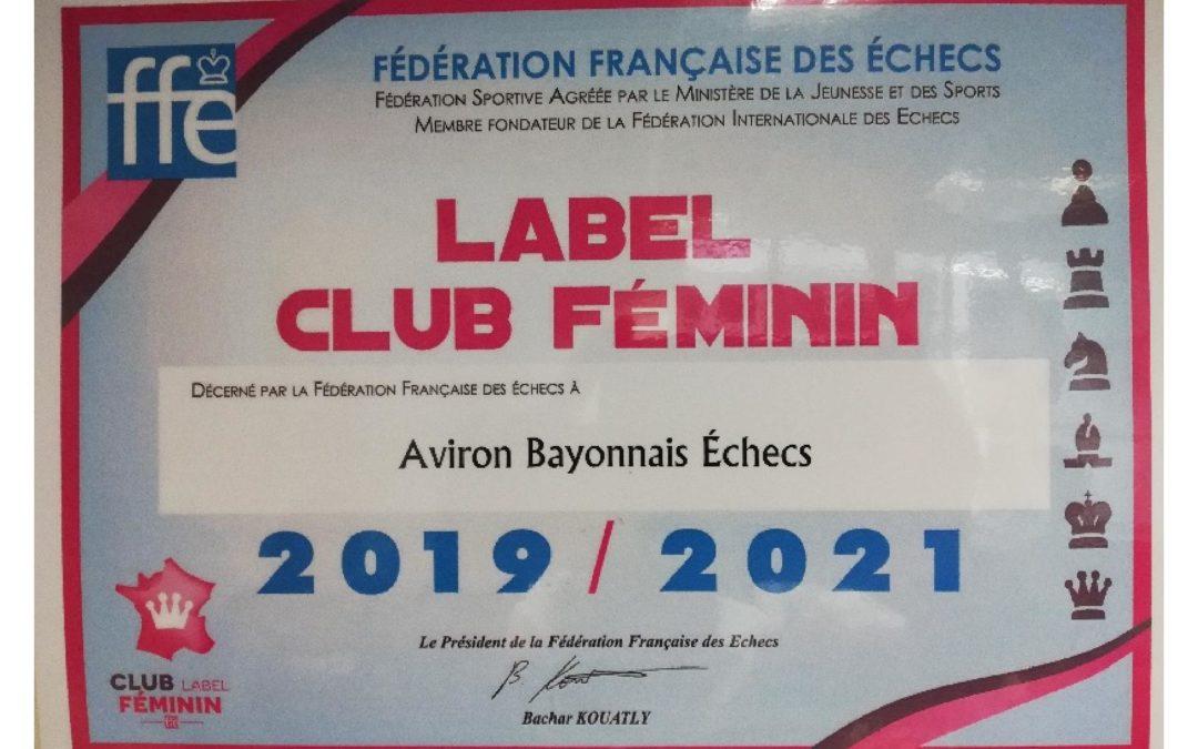 Label féminin
